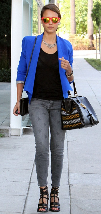 Jessica Alba's Outing With Two Handbags